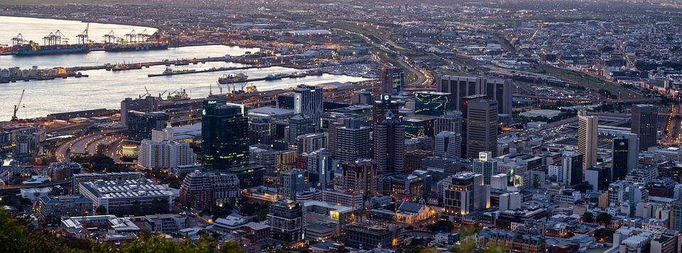 vista cosmopolita da Cidade do Cabo, cidade ideal para uma viagem para a África do Sul