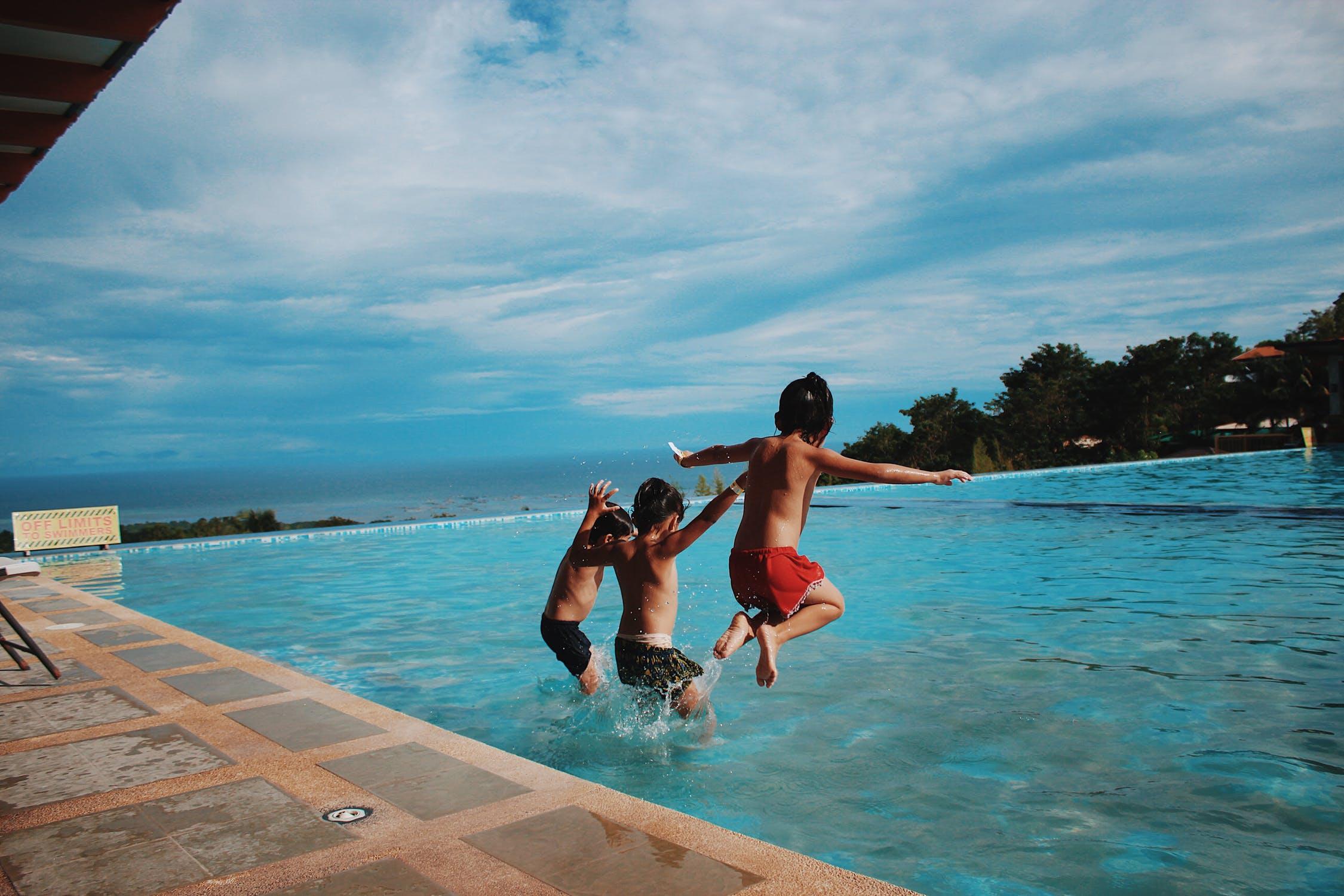 crianças brincando em um dos melhores resorts all inclusive