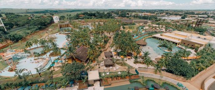 hot-beach-resort-banner